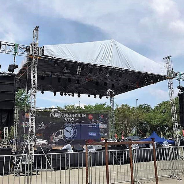 Truss and Stage: Rooftop Truss